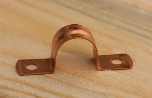 Rohrband / Rohrschelle aus Kupfer für 15 mm Kupferrohr
