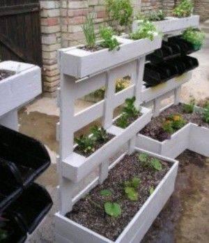 DIY-Paletten-Gartenbeet-selber-bauen-selfio