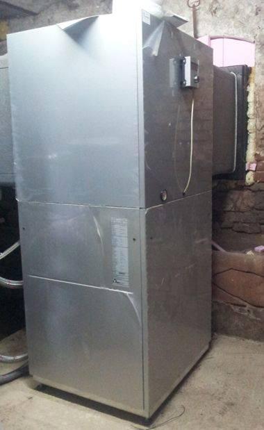 In Betrieb genommene alpha innotec Luft-Wasser-Wärmepumpe LWC 120 von Selfio