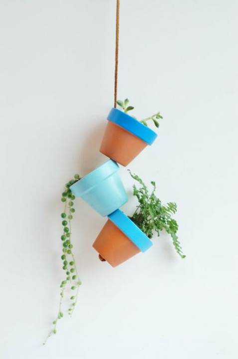 DIY-Gartendeko-bunte-Blumentoepfe-selfio