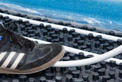 Fussbodenheizung-Noppensystem-verlegen-Rohrverlegung-Alu-Verbundrohr-2-Selfio