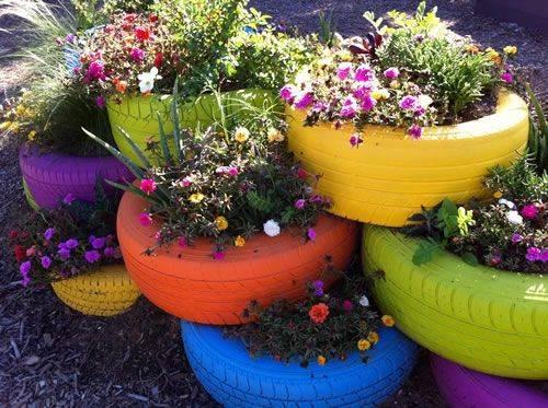 DIY-Gartendeko-Uebertoepfe-aus-alten-Reifen-selfio