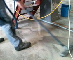 Bearbeitung Estrich Designestrich auf Selfio Fußbodenheizung Tackersystem